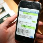 Insolito: Joven adolescente envió 300.000 SMS en un mes y sufre de calambres en sus pulgares