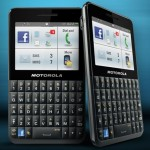 Motorola Motokey Social, el celular ideal para usar Facebook