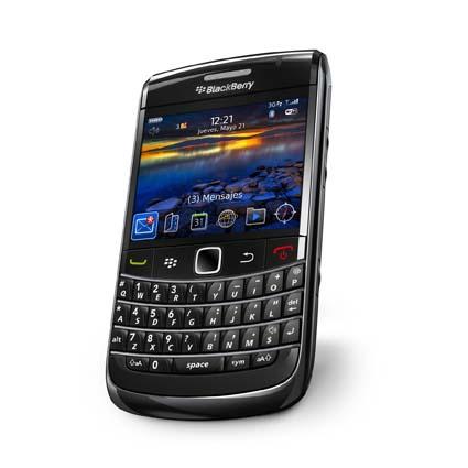 blackberry-bold-9700_bottomangle_baja